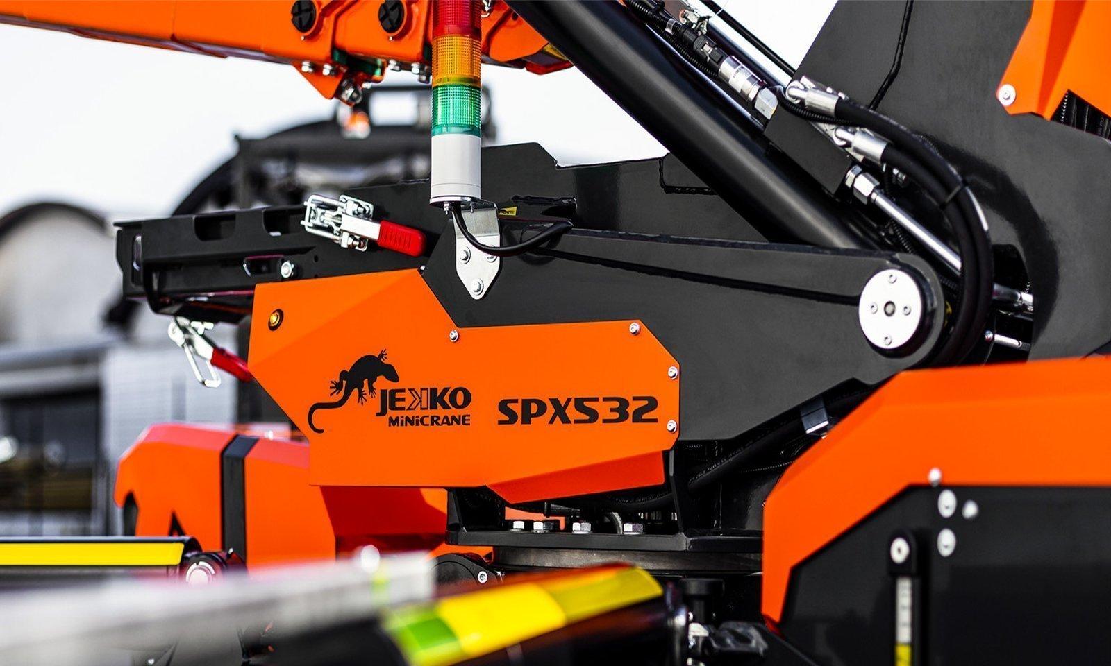 SPX532